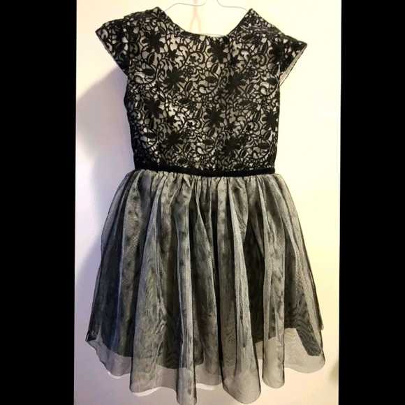 🎶3/$20 Sz 4 George dress